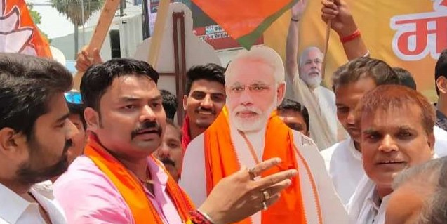 बिहार में चार सीटों पर जीता एनडीए, पिछड़े कन्हैया-शत्रुघ्न सिन्हा