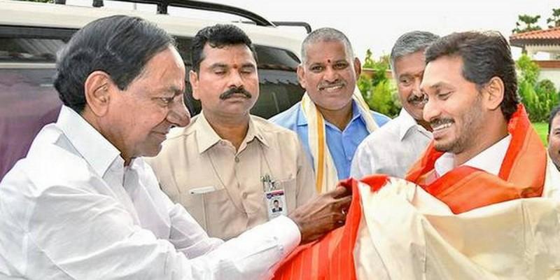 Jagan Reddy, Devendra Fadnavis At KCR's Mega Irrigation Project Launch