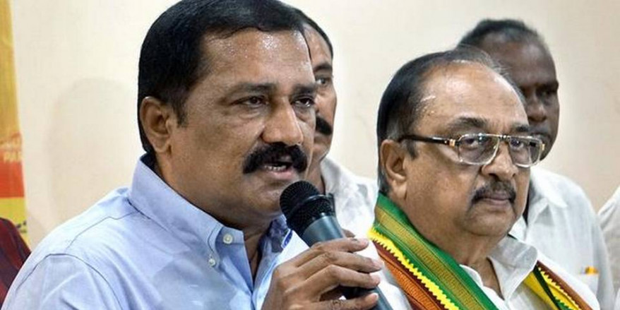 Jagan should come clear on Capital issue, demands Ganta