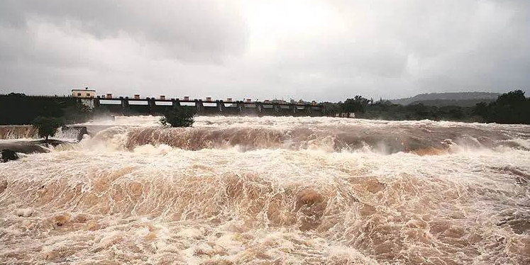 Maharashtra govt to channel surplus water from western flowing rivers to Godavari basin