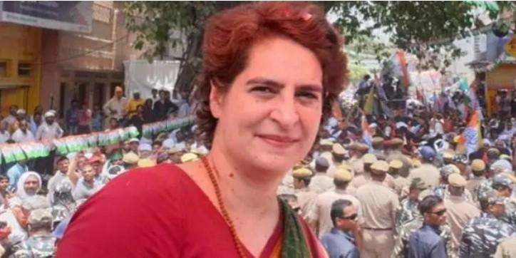 प्रियंका गांधी बोलीं- मोदी नेता नहीं अभिनेता, इससे अच्छा तो अमिताभ बच्चन को ही बना देते PM