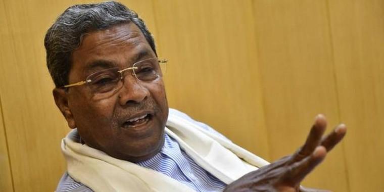 Bitter spat between Siddaramaiah and Vishwanath moves to Twitter