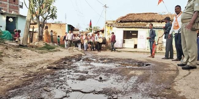 Pressure on CM Raghubar Das yields tender