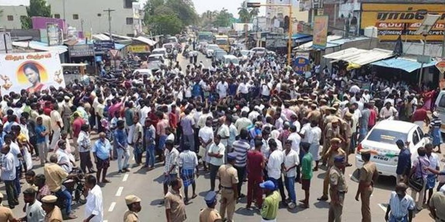 Vriddhachalam tense as PMK cadre block road over college girl's murder