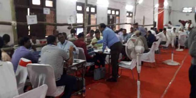 Bihar Election Results: किशनगंज में BJP को लगा झटका, AIMIM के कमरूल होदा हुए आगे