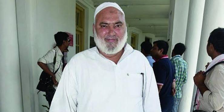 AAP विधायक हाजी इशराक खान ने सील किए गए मकान का ताला तोड़ा