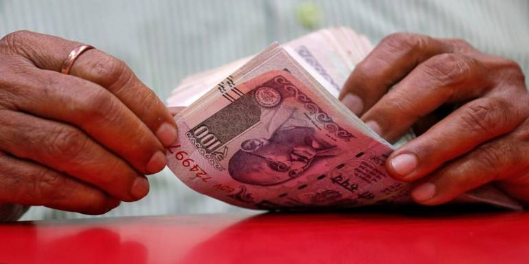 Karnataka govt transfers Rs 2,000 to account of one lakh farmers