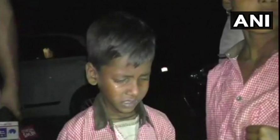 यूपी : मंत्री के इंतजार में 8 घंटे तक भूख से बिलखते रहे बच्चे, किसी ने नहीं सुनी