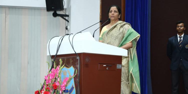 Priyanka Gandhi accuses Nirmala Sitharaman of serious allegations