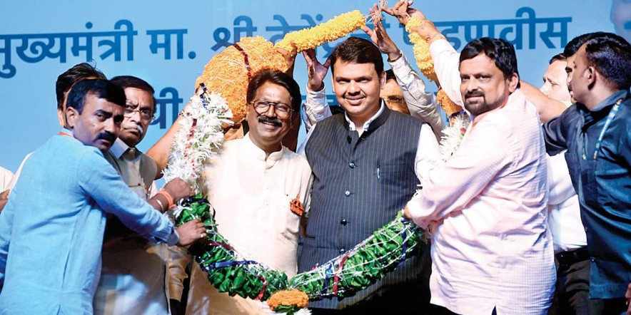 CM Devendra Fadnavis mocks MNS chief Raj Thackeray, calls him an entertainer