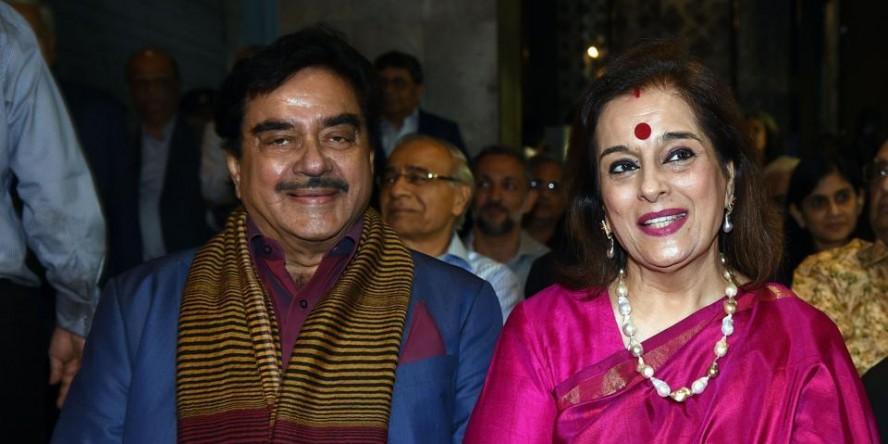 शत्रुघ्न सिन्हा की पत्नी पूनम सिन्हा सपा में शामिल, लखनऊ से लड़ेंगी चुनाव, 18 को करेंगी नामांकन