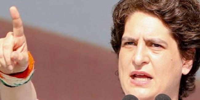 """""""बापू का हत्यारा देशभक्त? हे राम!"""" प्रियंका गांधी ने प्रज्ञा ठाकुर के बयान पर बीजेपी को घेरा"""