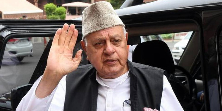 ED questions Farooq Abdullah in money laundering case