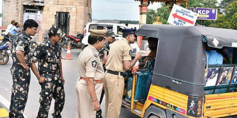 Police foil 'Chalo Assembly' march by MRPS